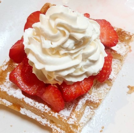 classic belgian waffle in bruges